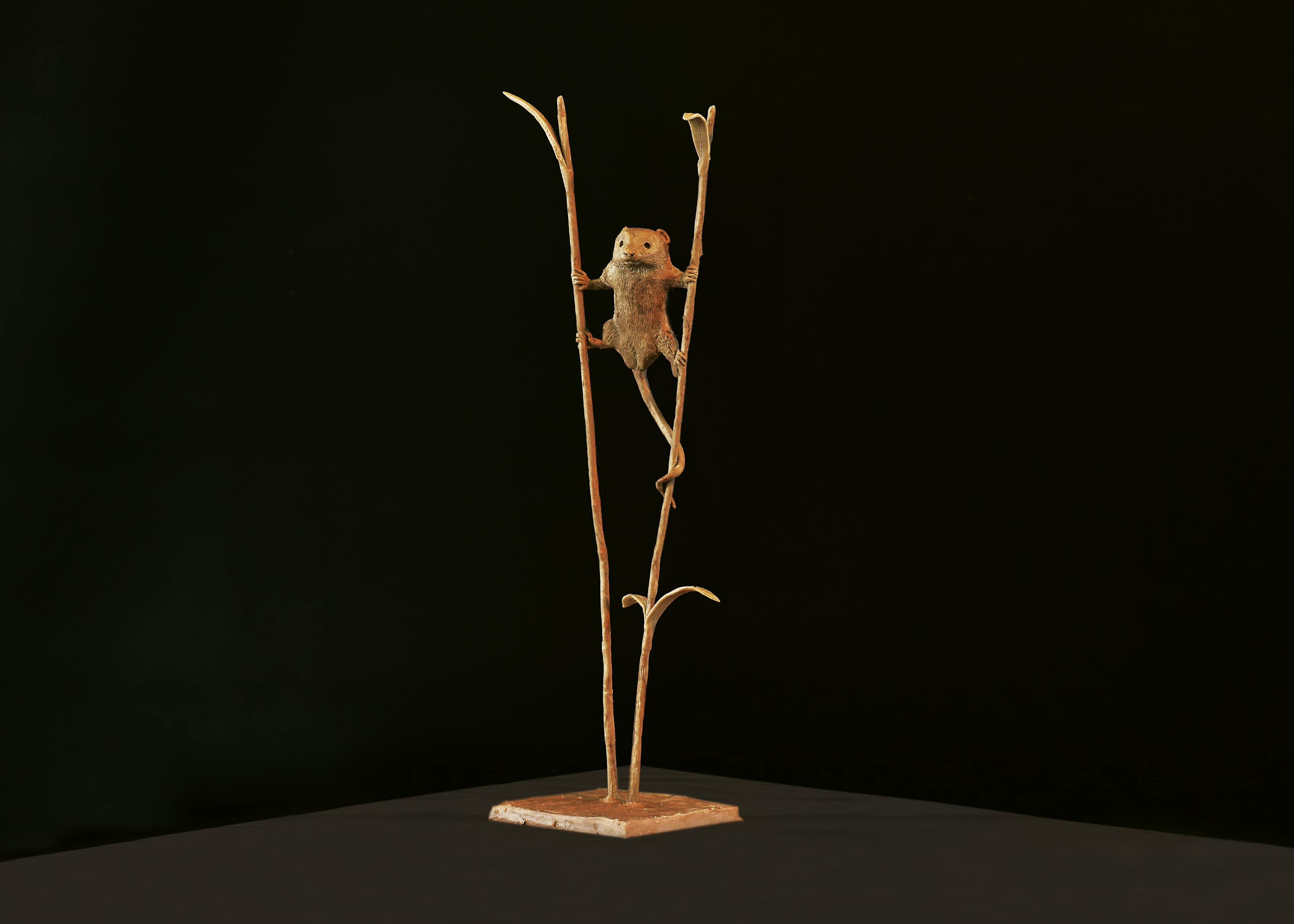 Bruce Little, bronze sculpture, Harvest Mouse